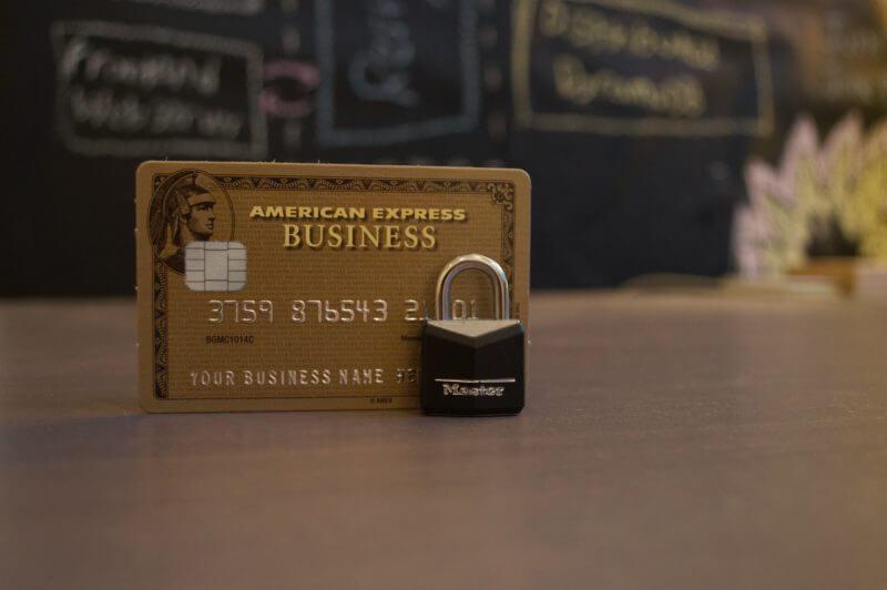 ネットショッピングにクレジットカードを使うのって危険?いいえ!正しく使えば安全でお得なんです。